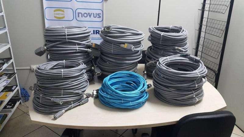 Montagem de cabos e chicotes